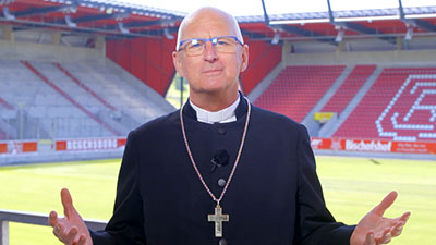 Andacht Regionalbischof Stiegler im Jahn-Stadtion Regensburg